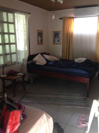 La Mansion Bed & Breakfast : large room upstairs