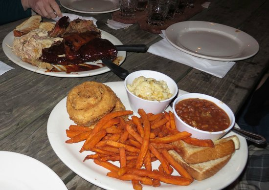 Mac's Speed Shop: Pick four meats + sides