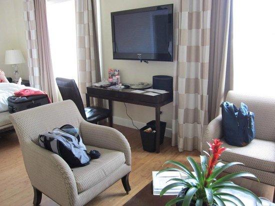 Kimpton Angler's Hotel : tv