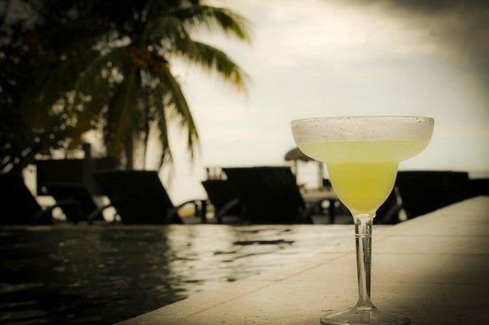 Xbalanque Resort: enjoying Abell's awesome margarita