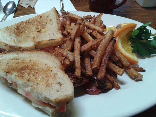Morning Glory Restaurant: Toasted Sandwich..