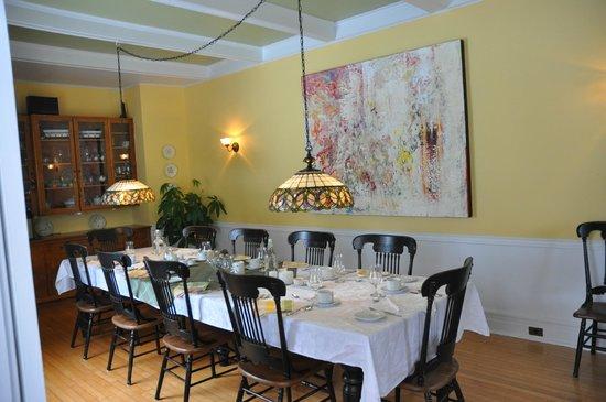 Au Clos Rolland, Couette & Cafe: Belle grande table pour tous