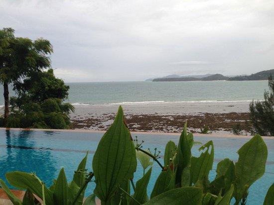 Aquamarine Resort & Villa: Overlooking the lower pool
