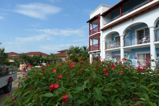 Memories Paraiso Beach Resort : Un bloc de l'hotel
