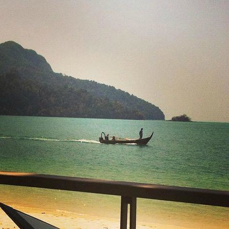 The Andaman, A Luxury Collection Resort: The view from the Beach Restaurant at lunch