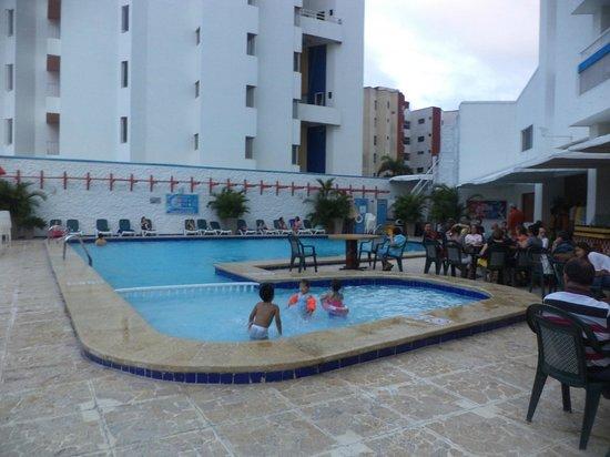 Decameron Cartagena: pequeña piscina