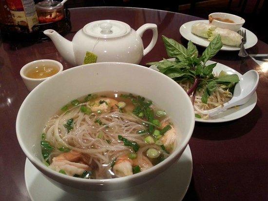 Phuong Nam: Pho Tom Soup, Summer Rolls, and Green Tea