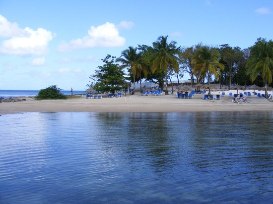 Windjammer Landing Villa Beach Resort: Beach