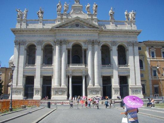 Arcibasilica di San Giovanni in Laterano: Front of the basilica