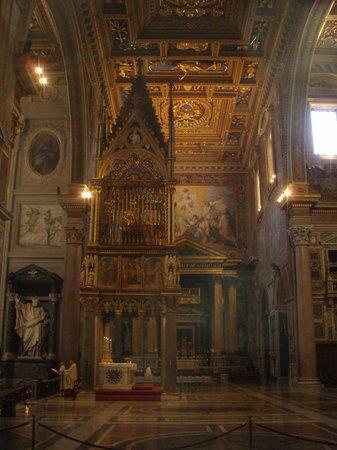 Arcibasilica di San Giovanni in Laterano: Knave of baslica