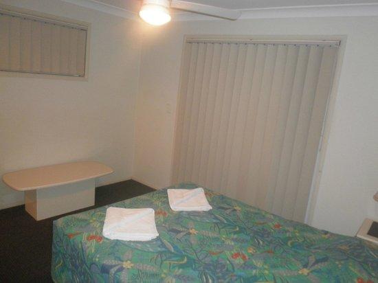 Cascade Gardens Holiday Apartments: bedroom no 2