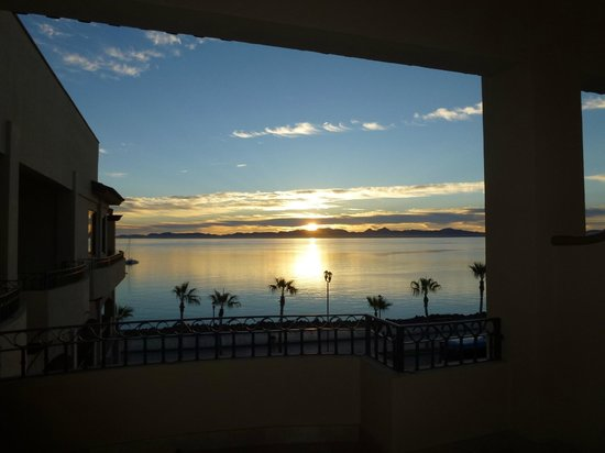 La Mision Loreto: Sunrise from our room