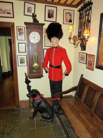 Black Labrador Pub: British !