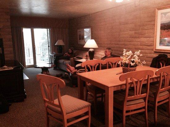 Sandstone Creek Club: Sandstone Creek #2304 living/dining