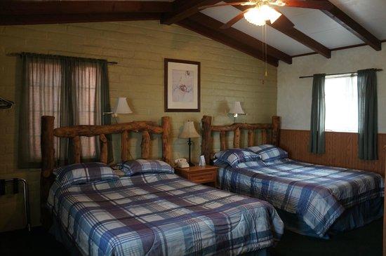 Trail Rider's Inn Motel: Standard 2 Queen Bed