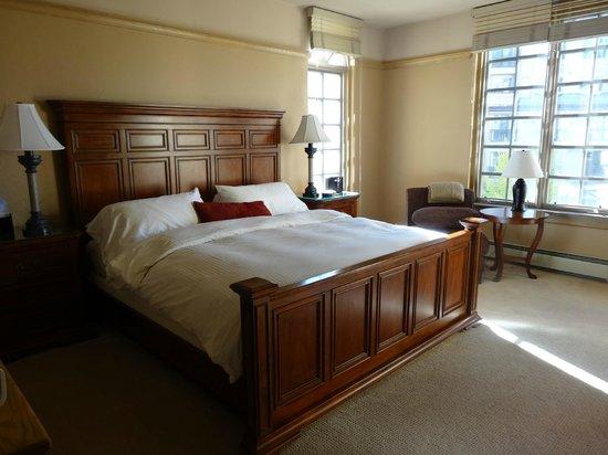 Park Plaza at Beaver Creek: Master Bedroom