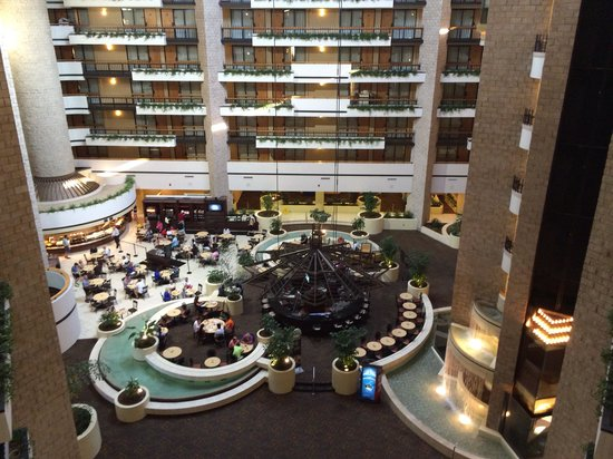 Embassy Suites by Hilton Orlando - International Drive / Jamaican Court: Inside hotel