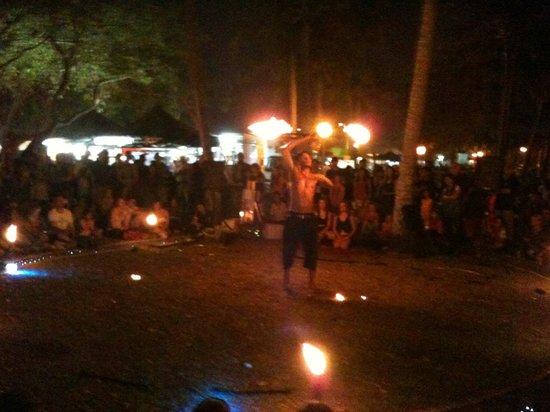 Mindil Beach : fire show 1