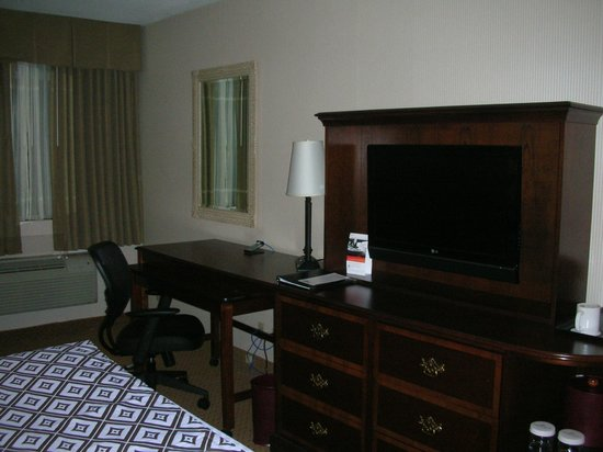Crowne Plaza Washington National Airport: A view inside room 222