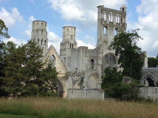 Abbaye de Jumieges: Magnificent ruins