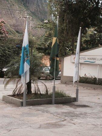 Marbella Barra Hotel: Frente para a rua