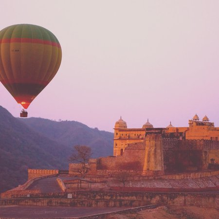 Sky Waltz Balloon Safari: Flying over the Amber Fort