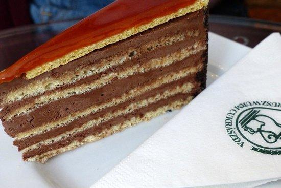 Ruszwurm Cukraszda: Ruszwurm - Dobos Torta