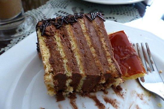 Ruszwurm: Dobos Torta at Ruszwum Cafe