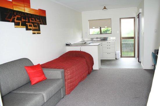 Oxford Court Motel: Lounge/Kitchen Exec Two Room