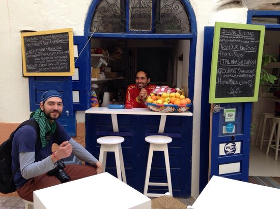 Ginger Cafe: No wind on Ginger's street, only smiles, fresh food and drinks!