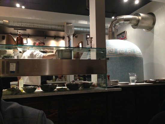 Via Tevere Pizzeria : The mother of all pizza ovens