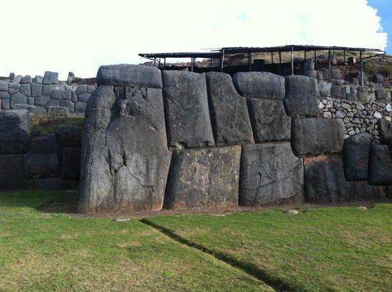 Sacsayhuamán: Камни Саксайумана