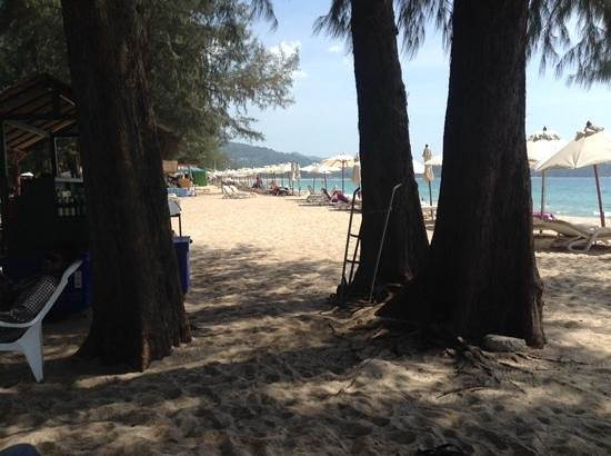Dusit Thani Laguna Phuket : the beach
