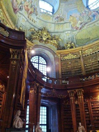 Prunksaal der Österreichischen Nationalbibliothek: Очень красиво