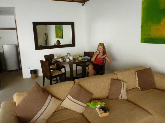 Arama Riverside Villas : Lounge Dinning room