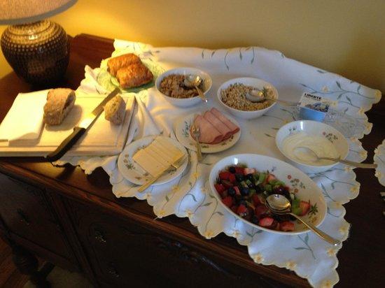 The Homestead 1867 Bed & Breakfast: Breakfast