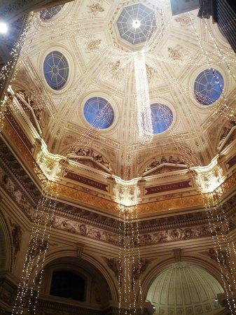 Muséum d'histoire naturelle de Vienne : Купол