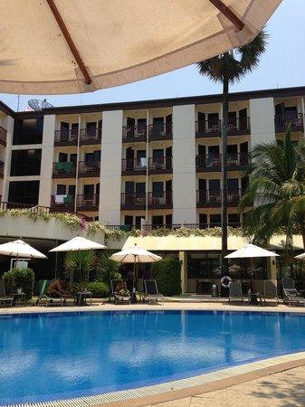 ibis Phuket Patong : Swimming pool.
