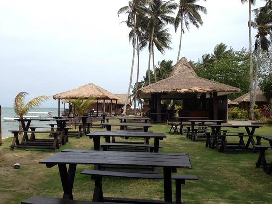 Bintan Spa Villa Beach Resort: ダイニングエリアからビーチ方面