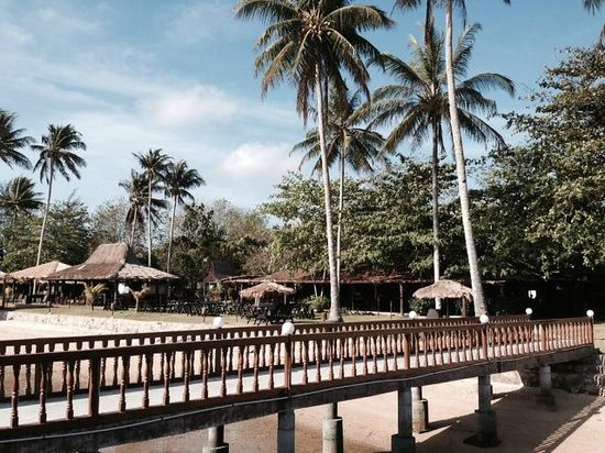 Bintan Spa Villa Beach Resort: お部屋の前からフロント&ダイニングエリア