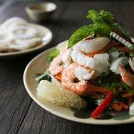 Quan Bui salad w/ seafood and pomelo