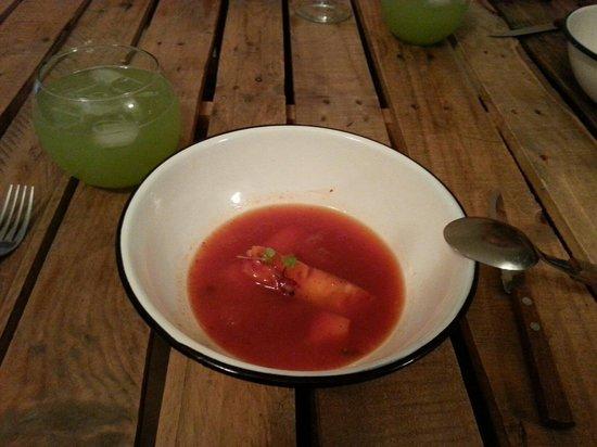 El Tupe: Sopa dulce de chili y frutas muy fría