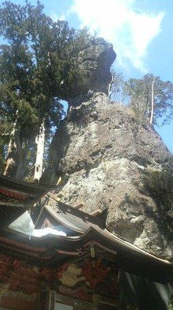 Takasaki, Japan: 今にも落ちてきそうな巨石