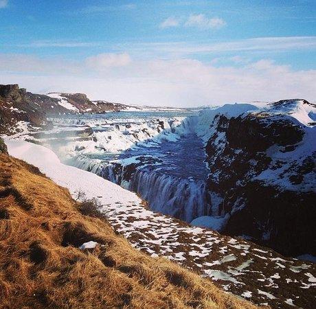 Iceland Guided Tours : Beautiful Gulfoss