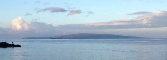 Makena Coast Dive Charters: from launch...Lanai in distance with faint view of Molokini in front of it...