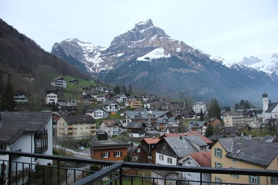 Edelweiss Engelberg: View from the attached terrace of the room