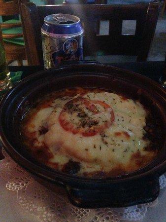 TJ's Italian Restaurant : Generous sauce in my Lasagna