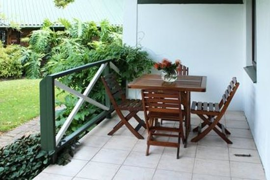 Blackwaters River Lodge: Gardenview Rooms private patio