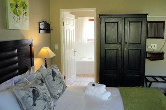 Blackwaters River Lodge: Standard Suite with full en-suite bathroom