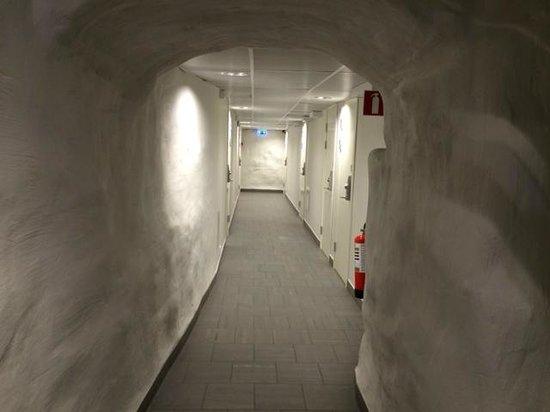 Hostel Dalagatan: Коридор с номерами
